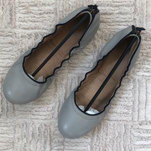 Gap leather scrunch ballet flats Size 9